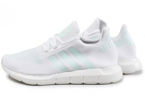 separation shoes cdeb7 818f2 adidas running blanche. Cliquez pour zoomer Chaussures ...
